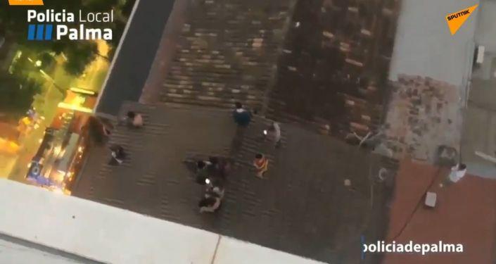 Ve Španělsku hořel populární hotel. Evakuace se dotkla 600 turistů