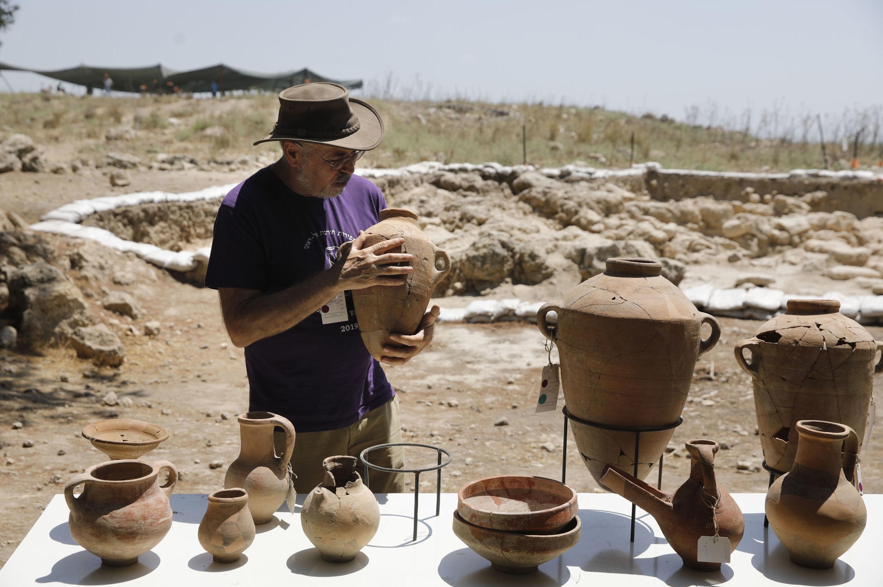 Vykopávky v okolí starobylého biblického města Sicelech v Izraeli