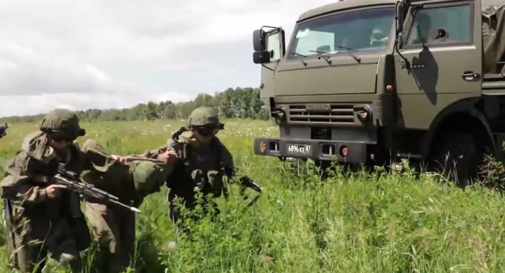 Video: Ruské jednotky rychlého nasazení realizují vojenská cvičení v několika regionech země