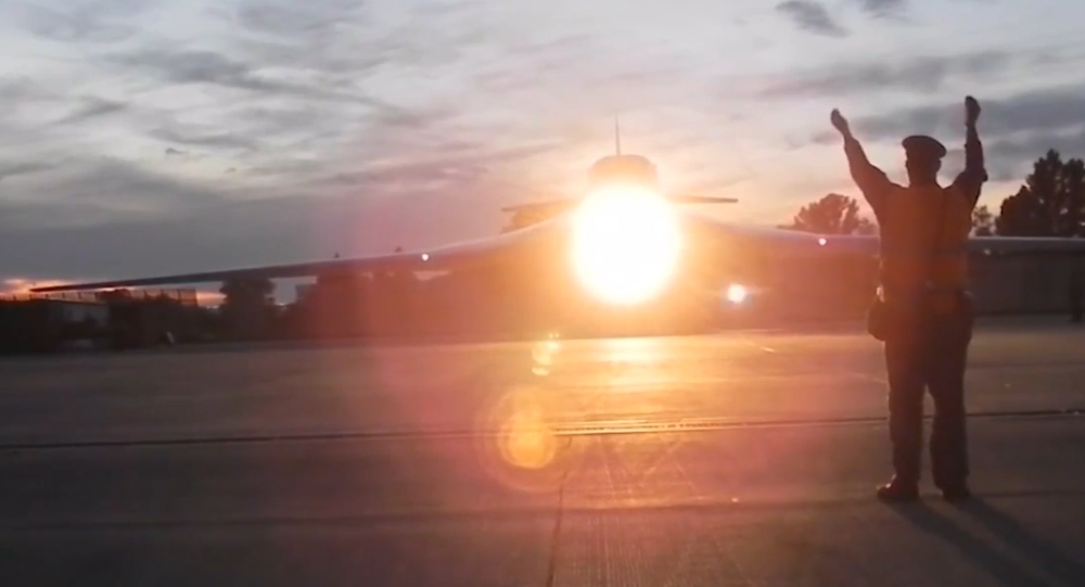 """Video: """"Bílé labutě"""" na ruské Čukotce. Strategické bombardéry Tu-160 byly přesunuty do nejvýchodnějšího ruského města"""