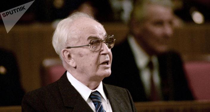 Gustav Husák při 70. výročí Velké říjnové socialistické revoluce v moskevském Kremlu. 1987