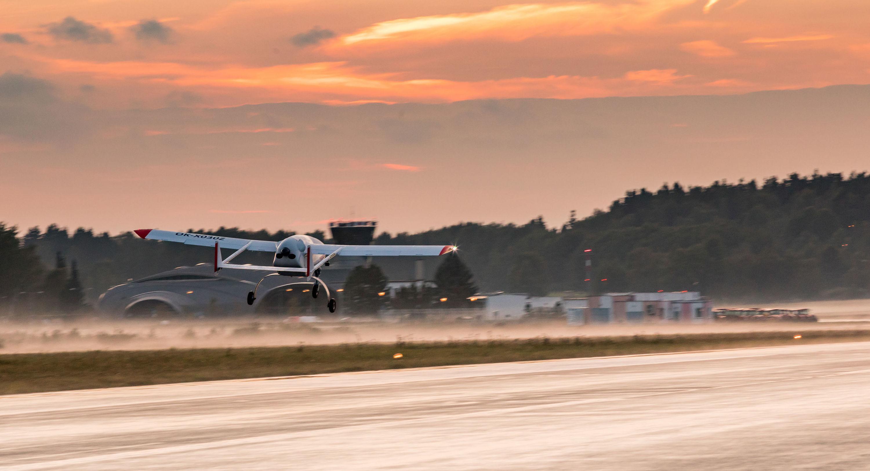 Přistání dronu One 150. Primoco UAV