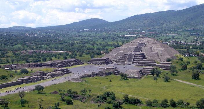 Měsíční pyramida v Mexiku