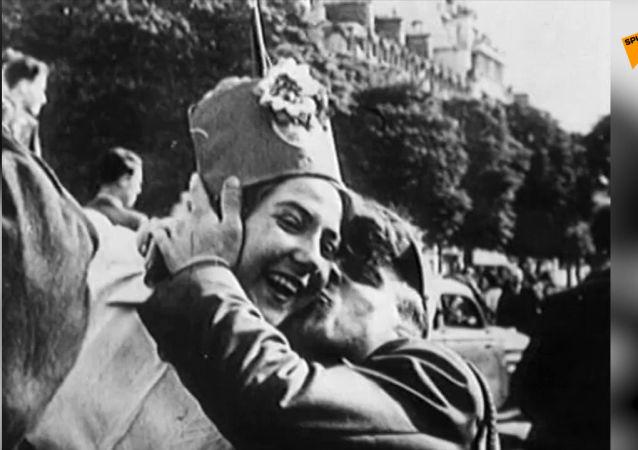 Radost se slzami v očích: archivní záběry 9. května 1945