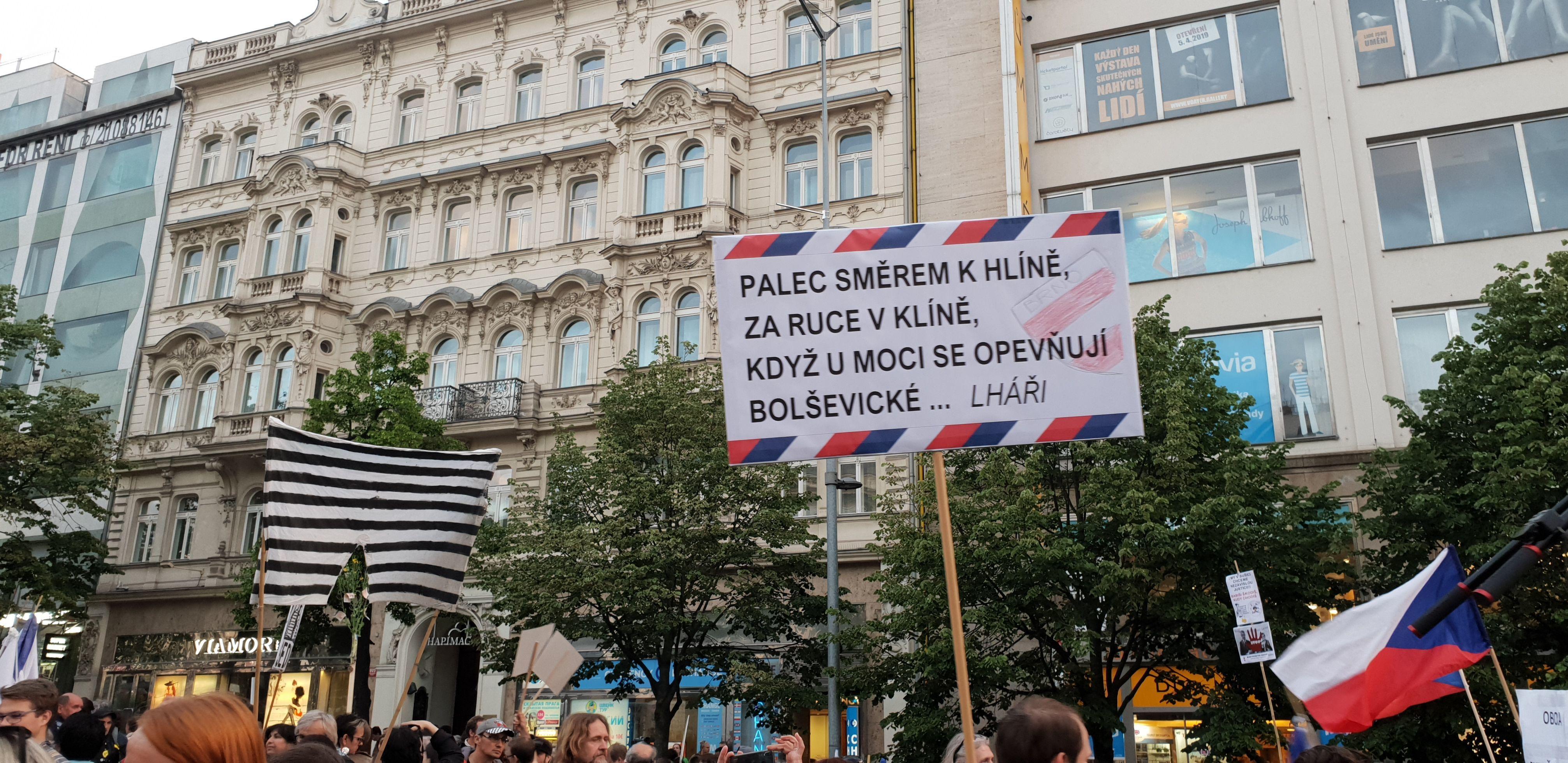 Demonstrace proti ministryni spravedlnosti Marii Benešové