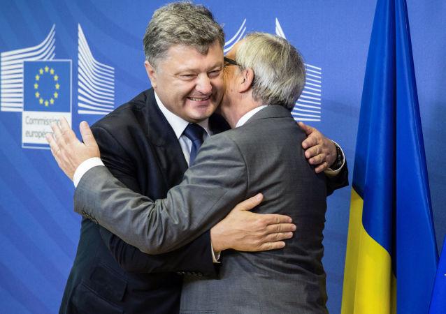 Petro Porošenko a Jean-Claude Juncker