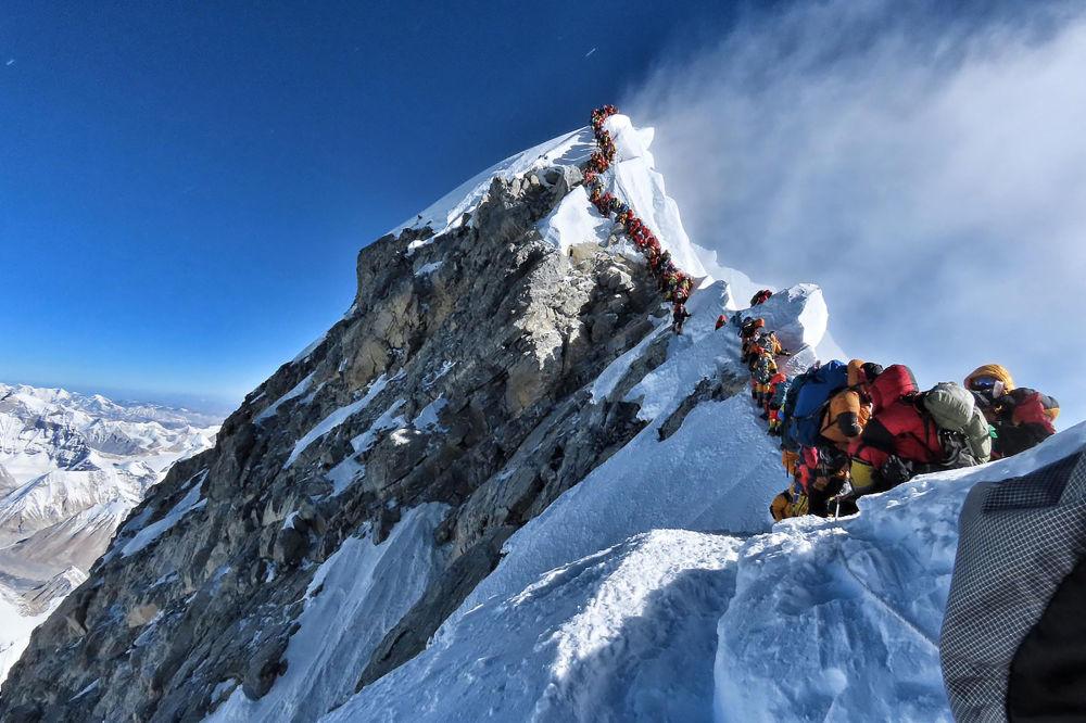 Fronta na Mount Everest.