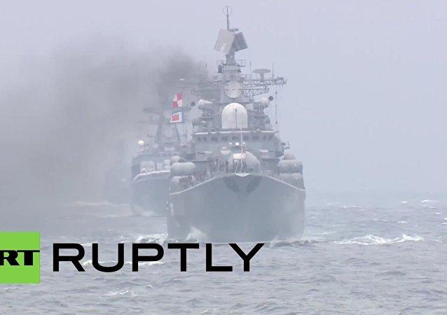 Unikátní přehlídka ruských a čínských lodí ve Vladivostoku