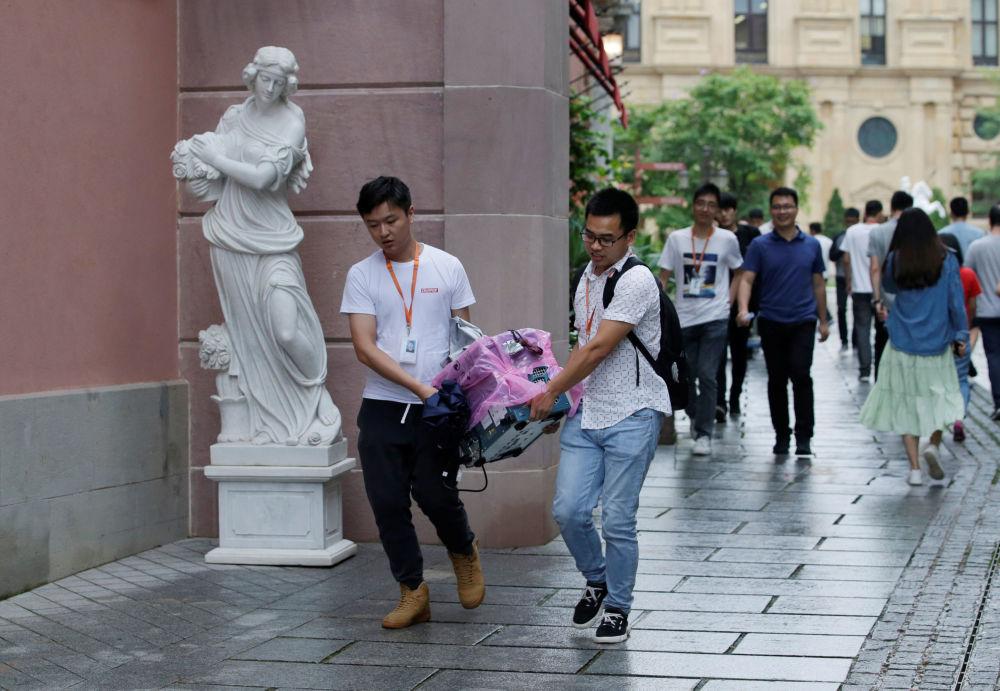 Zaměstnanci společnosti Huawei.