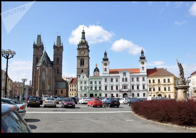 Centrum Hradce Králové s Bílou věží