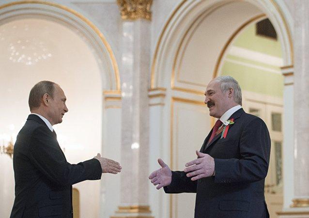 Ruský prezident Vladimir Putin a běloruský prezident Alexandr Lukašenko