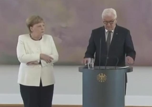 Angela Merkelová se ve čtvrtek ráno v Berlínu začala opět třást