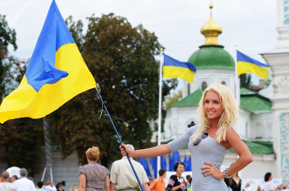 Účastníce oslav Dne nezávislosti v Kyjevě