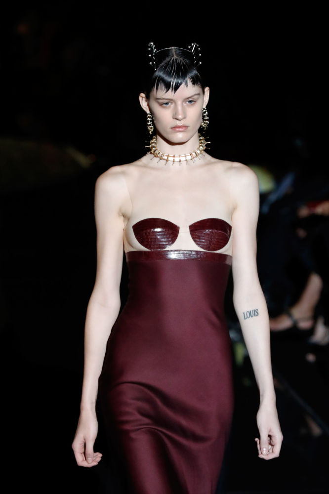 Nejpůsobivější modely Týdne vysoké módy v Paříži