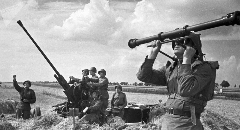 Sovětští vojáci v oblasti Kurského oblouku