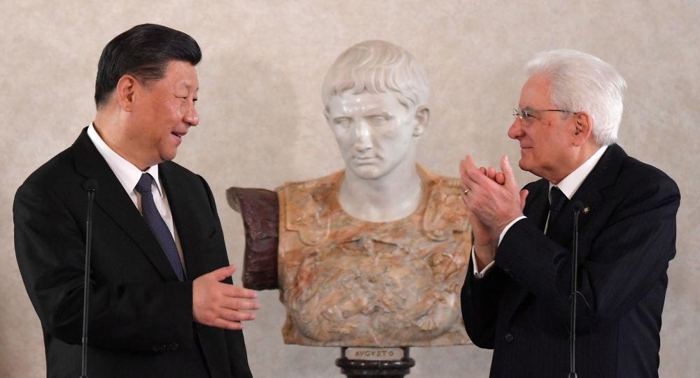 Italský prezident Sergio Mattarella a čínský prezident Si Ťin-pching v Římě (dne 22. března 2019)