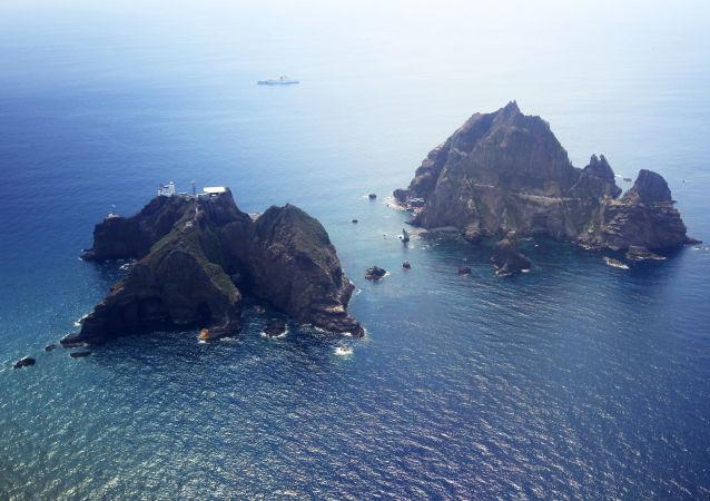 Sporné ostrovy Tokdo (Takešima) v Japonském moři