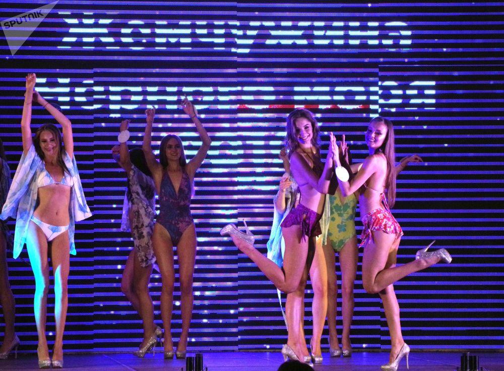 Účastnice 23. mezinárodní soutěže krásy Perla Černého moře v Sevastopolu.