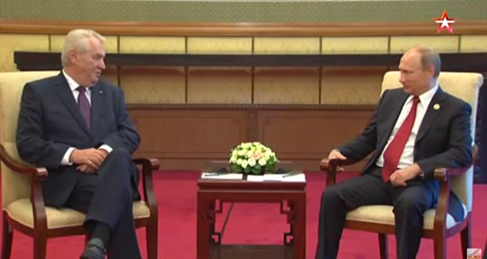 Zeman mluví s Putinem rusky