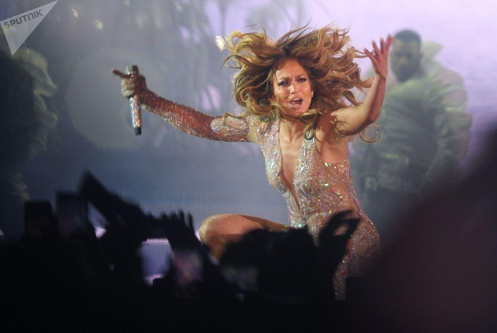 Americká zpěvačka Jennifer Lopezová na koncertu v Moskvě.