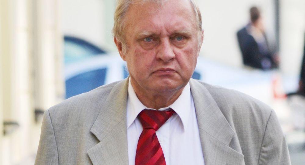 Zemřel muž, kvůli kterému se Ransdorf dostal do vazby