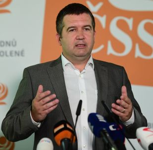Hamáček se uklidnil. Sociální demokraté zůstanou ve vládě