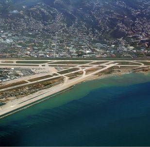 Pohled na letiště v Bejrútu