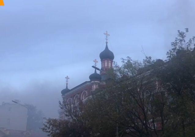 V Moskvě hořel starobylý Vánoční klášter