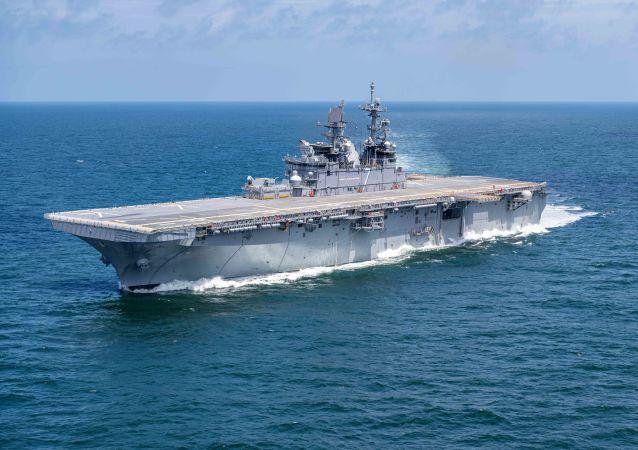 Americká loď třídy Amerika USS Tripoli