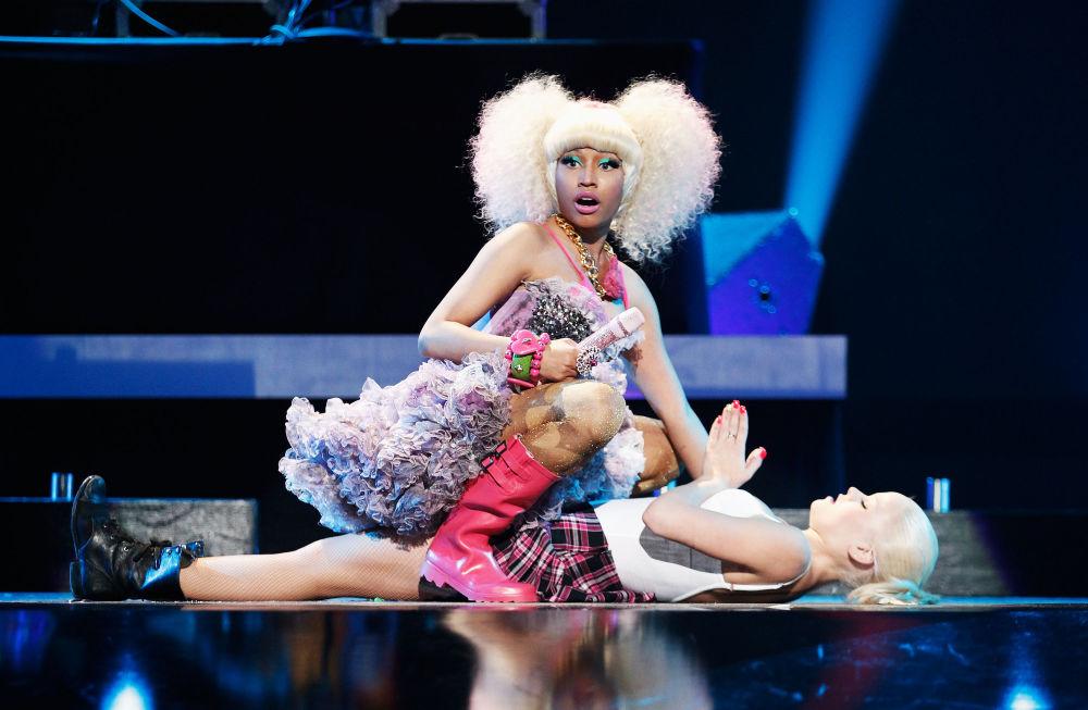 Zpěvačka Nicki Minaj na pódiu během hudebního festivalu iHeartRadio v Las Vegas.