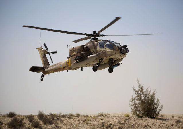 Útočný vrtulník AN-64 Apache izraelského letectva
