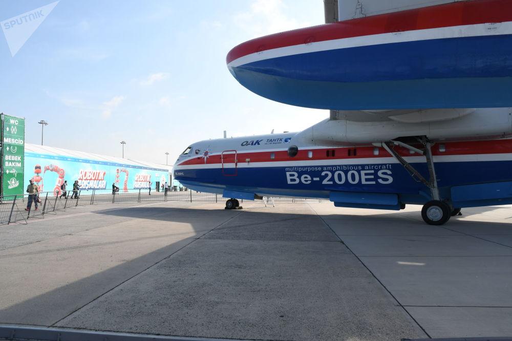 Ruské obojživelné letadlo Be-200.