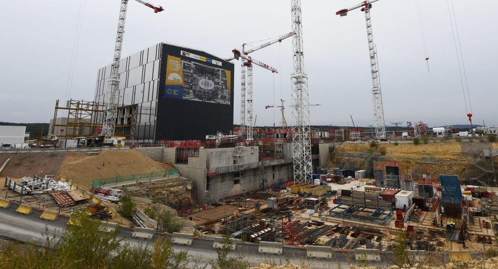 Stavba Mezinárodního termonukleárního experimentálního reaktoru (ITER) na jihu Francie