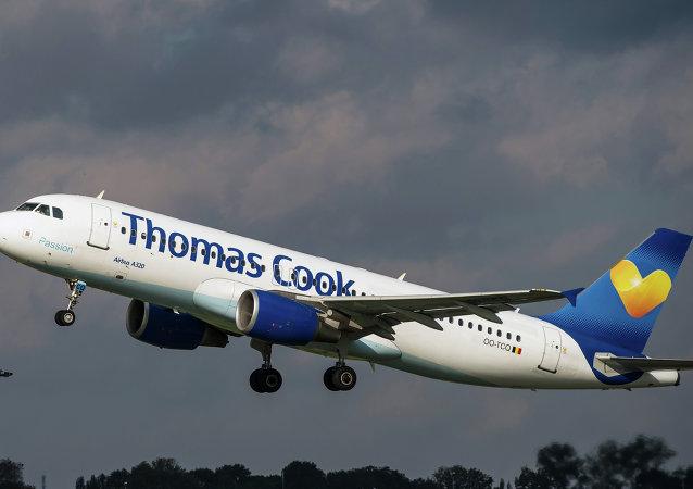 Letadlo společnosti A320 společnosti Thomas Cook