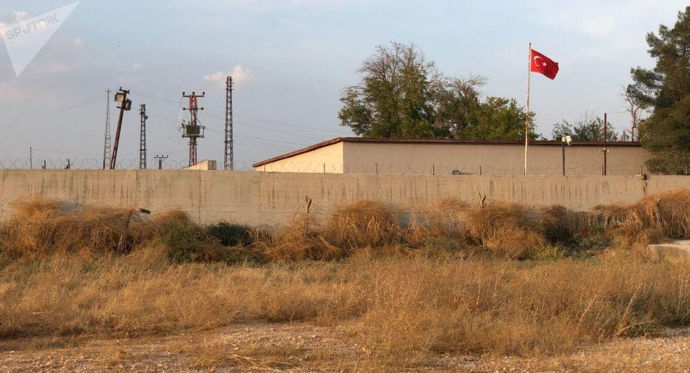 Stěna na hranici Turecka a Sýrie