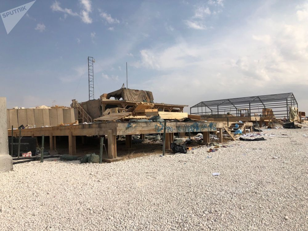 Opuštěná americká základna v okolí vesnice Dadat na severovýchodě Sýrie.