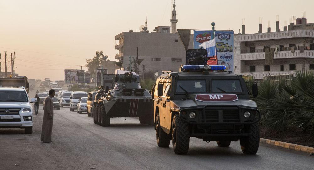Tři ruští vojáci byli zraněni při útoku na konvoj v Sýrii