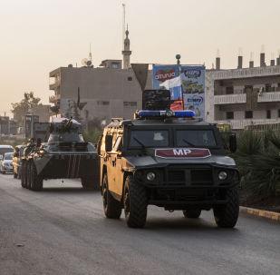 Ruská vojska hlídkují v Amudě na severu Sýrie