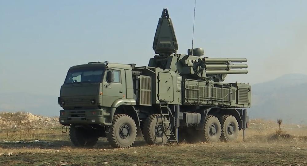 Video: Rusko posiluje vojenskou přípravu srbské armády cvičeními s Pancir–S1 a S-400 Triumf