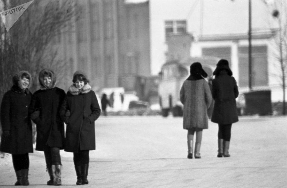 Zimní procházka po Magadanu, 1970.