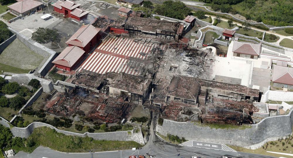 Hrad Šuri po požáru