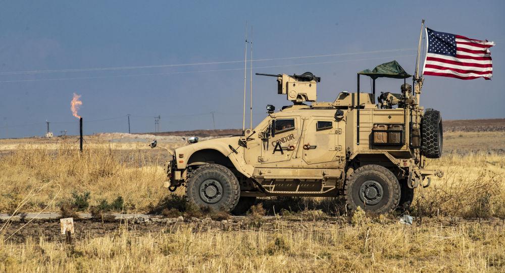 Americká hlídka na hranici Sýrie a Turecka. Ilustrační foto