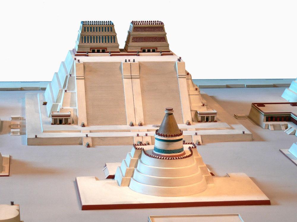 Model pyramidy Witsilopochtli (Templelo Mayor) v Národním muzeu antropologie, Ciudad de México