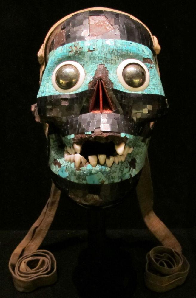 Aztécká maska s tyrkysem, přibližně z let 1400 – 1521