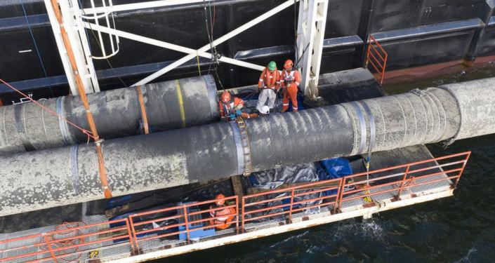 Povrchové svařování při výstavbě plynovodu Nord Stream 2