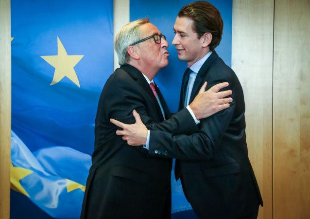 Předseda Evropské komise Jean-Claude Juncker a Sebastian Kurz na summitu EU v Bruselu