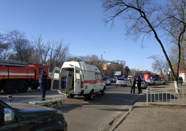 Záchranka u střední školy v Blagověščensku