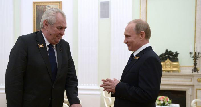 Prezidenti ČR a Ruska Miloš Zeman a Vladimir Putin v Moskvě v roce 2015