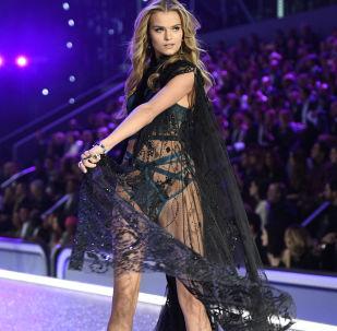 Ruské krásky z řad Victoria's Secret na přehlídkovém mole