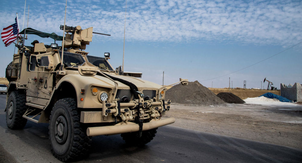 Američtí vojáci hlídají syrská ropná naleziště